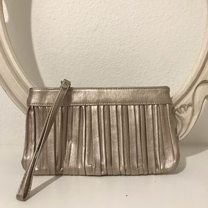 Handbags - Express clutch